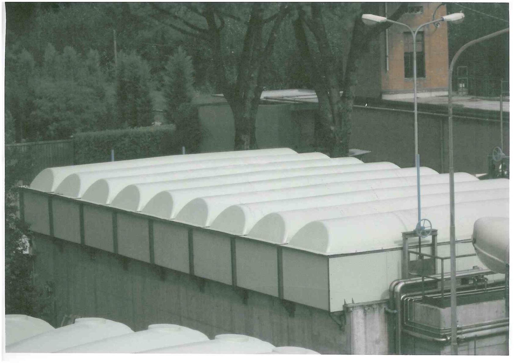 Copertura in vetroresina per le vasche del depuratore di for Vasche per laghetti in vetroresina